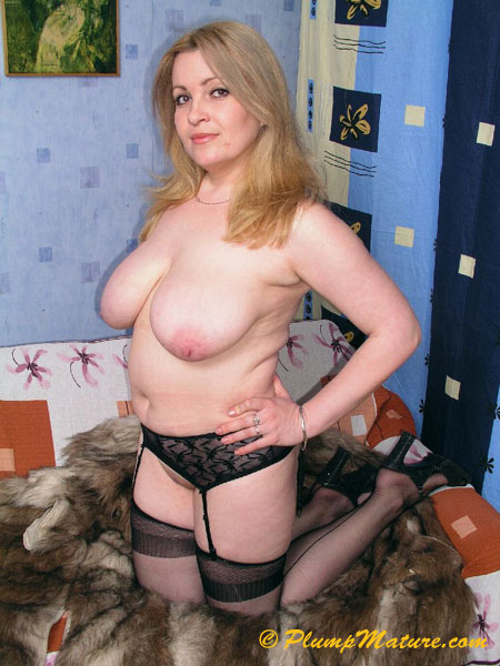 голые плотные дамы фото